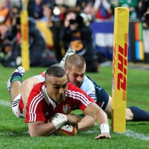 Simon Zebo just tackled into touch before scoring 15/6/2013